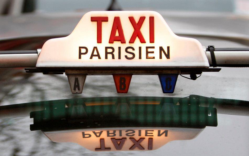 Prendre un taxi en France: les choses à savoir