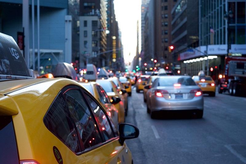 Chauffeur VTC et chauffeur de taxi : différence entre les deux métiers