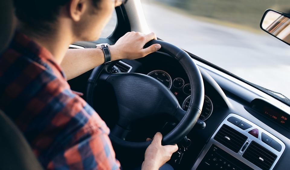 Pourquoi opter pour une location de voiture pour une longue durée ?