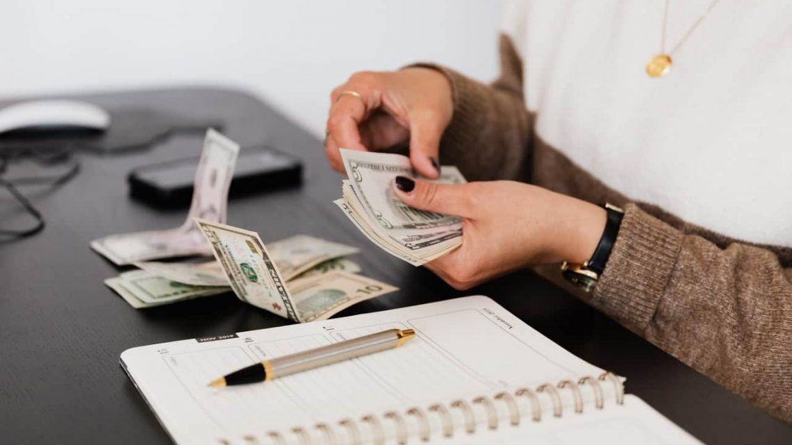 Quel lien se trouve entre la finance et la spéculation?