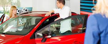 Entre louer ou acheter une voiture, que choisir ?